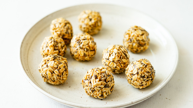 5-ingredient peanut butter energy bites on plate