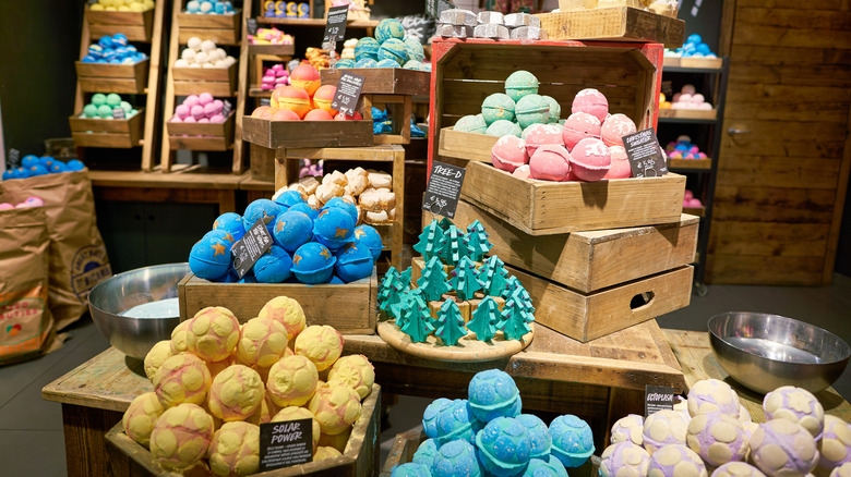 Bath bombs in boxes