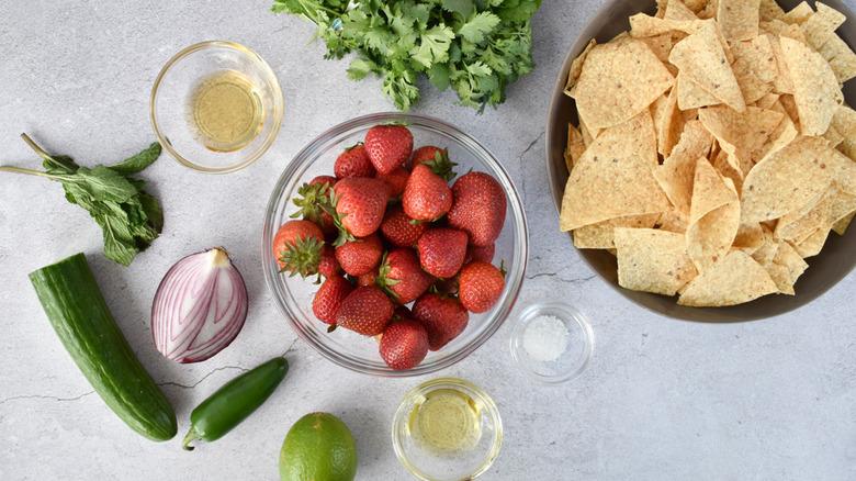 strawberry salsa ingredients
