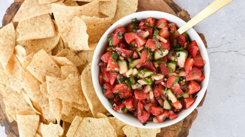 strawberry salsa in bowl