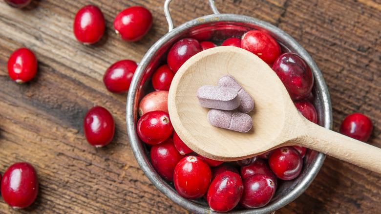 Cranberries, cranberry pills