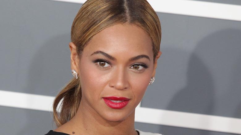 Beyonce head shot