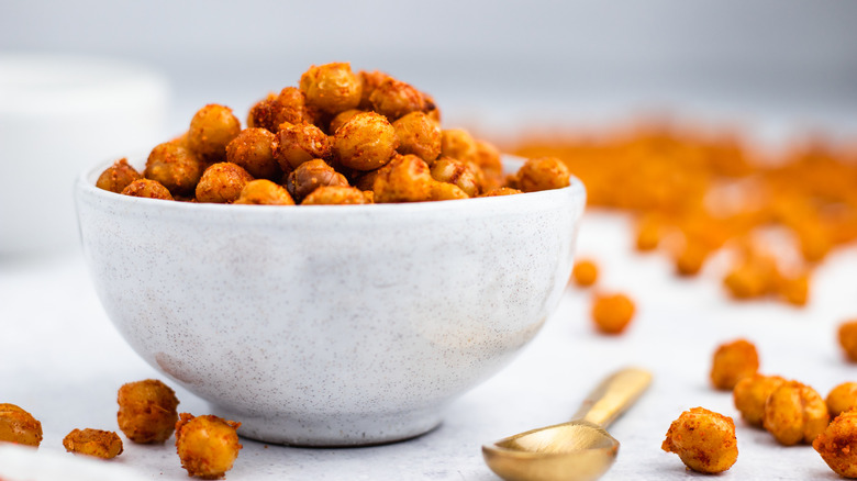 Crispy Roasted Chickpeas Recipe in a bowl