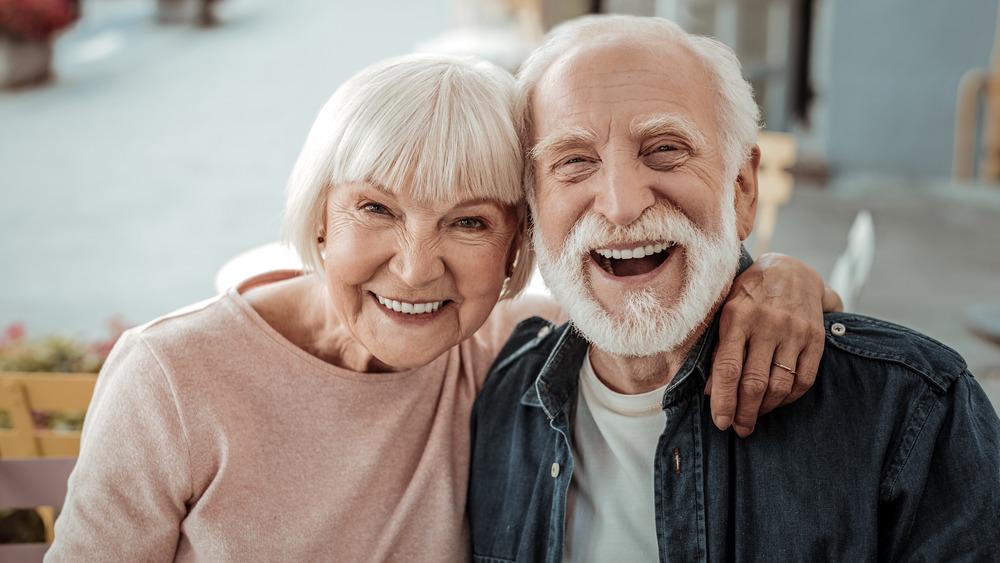 woman and man lifespan