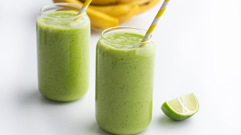 Easy Kale And Spinach Smoothie