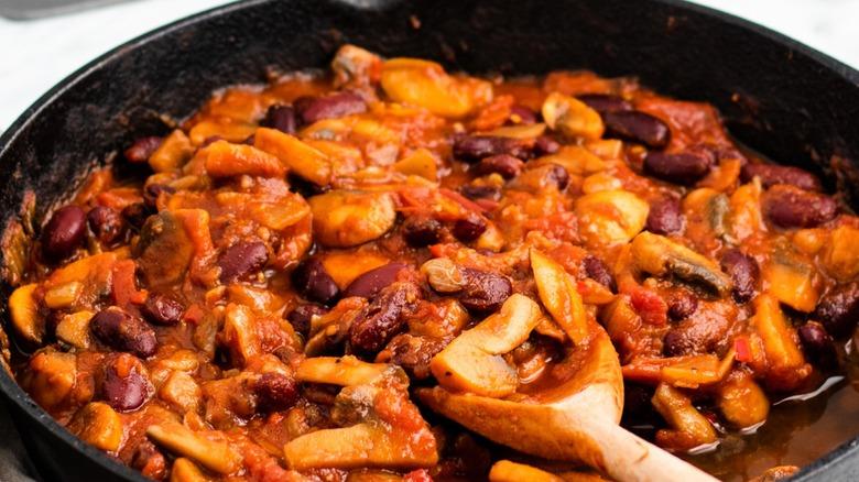 Mushroom chili in cast iron pan
