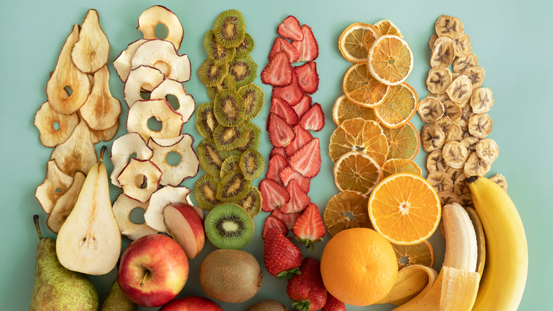 Dried and fresh fruit to avid with diabetes