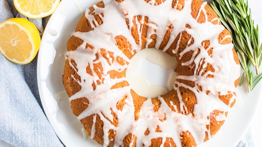 glazed lemon bundt cake