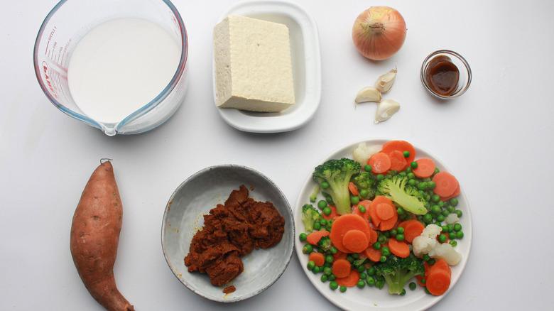 ingredients to make tofu curry
