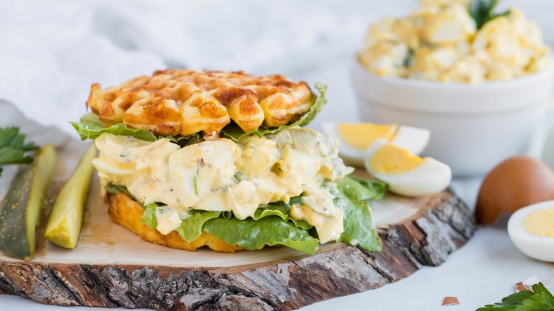 keto egg salad between chaffles
