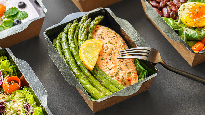Healthy meals prepacked in boxes