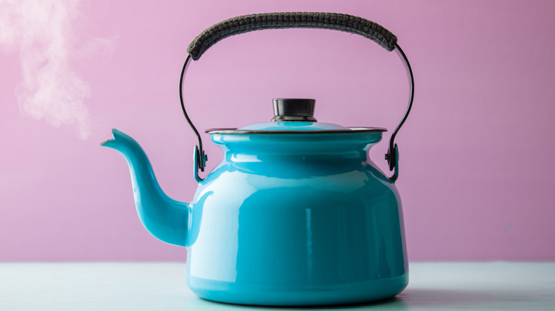 teapot steaming