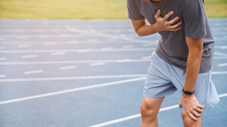A man has chest pain while running
