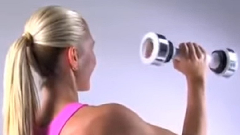 A still from the original Shake Weight ad