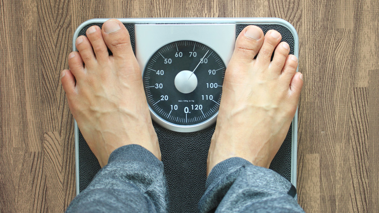 weight gain from not drinking enough water